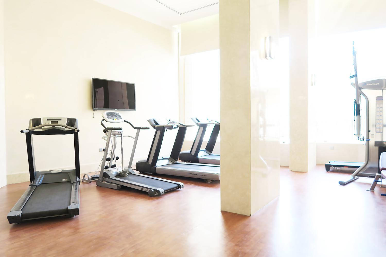 Gym e